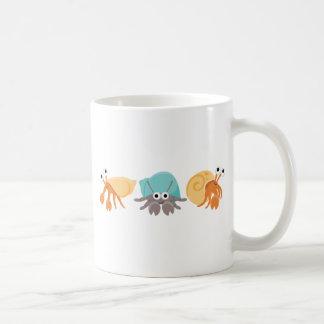 Trío lindo del cangrejo de ermitaño taza de café
