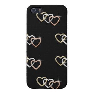 Tríos de los corazones del oro en la caja negra de iPhone 5 fundas