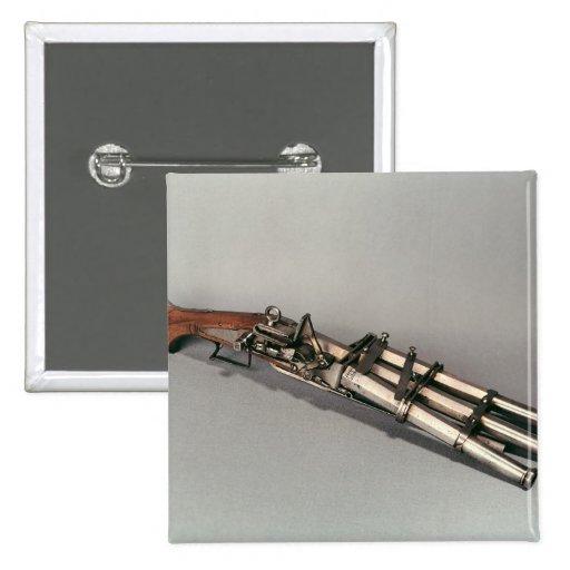 Triple-barrelled pistol buttons
