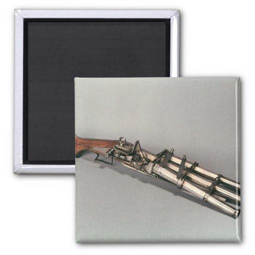 Triple-barrelled pistol magnets