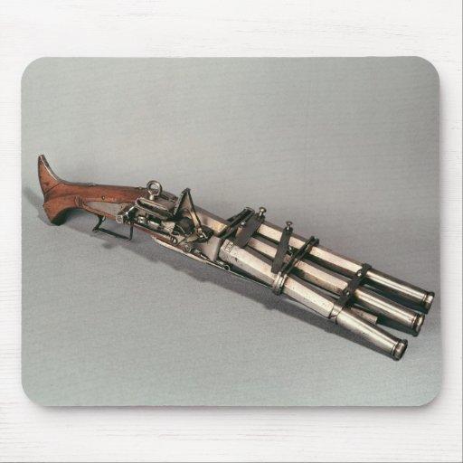 Triple-barrelled pistol mouse pad