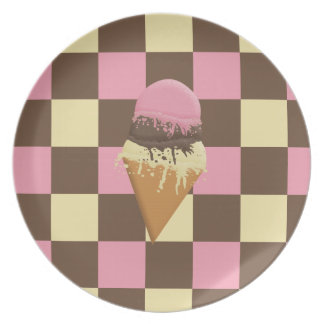 Triple-Scoop Ice Cream Cone Plate Checker Pattern