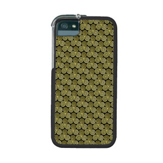 Triple spiral Gold black background iPhone 5/5S Cover