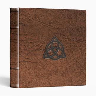 """Triquetra 1"""" binder"""