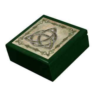 Triquetra in Wood Trinket Box