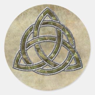Triquetra natural pegatina redonda