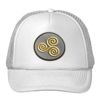 Triskele de oro gorras