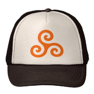 Triskele espiral anaranjado gorro