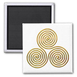 Triskele-gold Magnet
