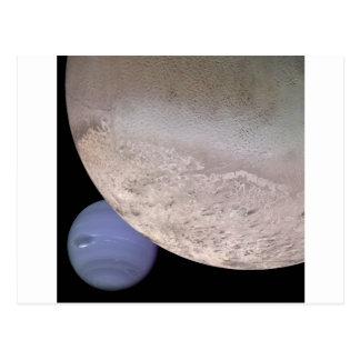 Tritón con Neptuno en la NASA del fondo Postal