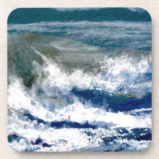 Trituradores en el arte de las olas oceánicas del posavasos de bebida