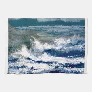 Trituradores en el arte de las olas oceánicas del toalla de cocina