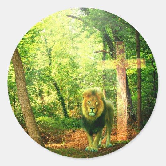 Triumphant King Classic Round Sticker