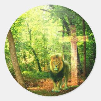 Triumphant King Round Stickers
