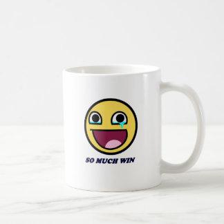 triunfo impresionante de la cara tanto taza de café