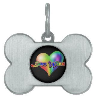 Triunfos del amor corazón del arco iris
