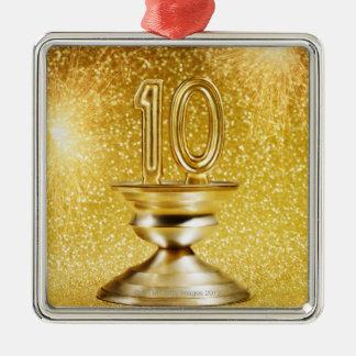Trofeo del número 10 del oro adorno navideño cuadrado de metal