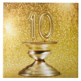 Trofeo del número 10 del oro azulejo cuadrado grande
