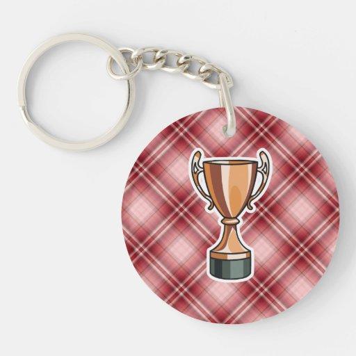 Trofeo rojo de la tela escocesa llaveros