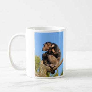 Trogloditas comunes de la cacerola del chimpancé d taza de café