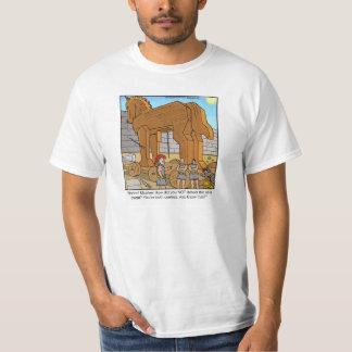 Trojan Horse divertido de la camiseta del dibujo Playera