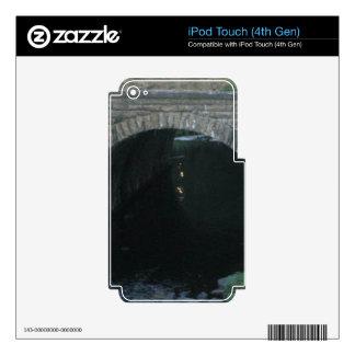 Troll Bridge iPod Touch 4G Skins