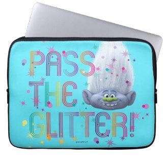 Trolls   Guy Diamond - Pass the Glitter Laptop Sleeve