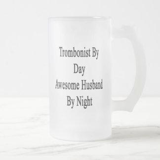 Trombón del marido impresionante del día por noche jarra de cerveza esmerilada