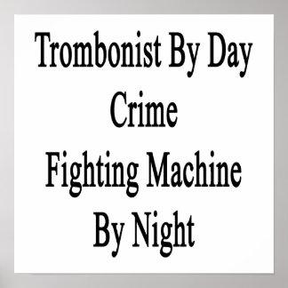 Trombón por la máquina que lucha del crimen del dí póster