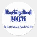 Trompa de la mama de la banda etiqueta redonda