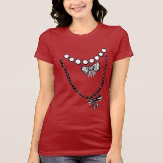 Trompe L oeil Necklaces T-shirt