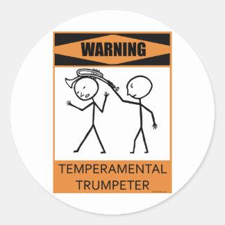 Trompetista temperamental amonestador pegatina redonda