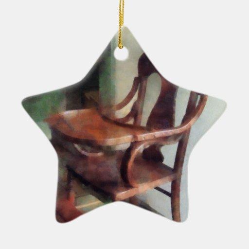 Trona de madera ornamento de navidad
