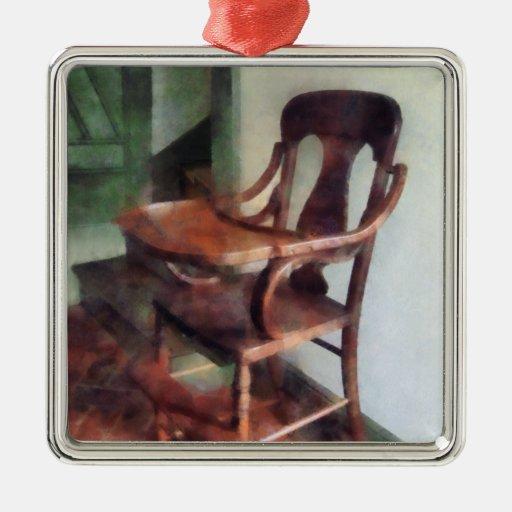Trona de madera ornamentos de navidad