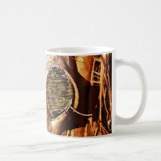 Tronco de árbol con los nudos taza