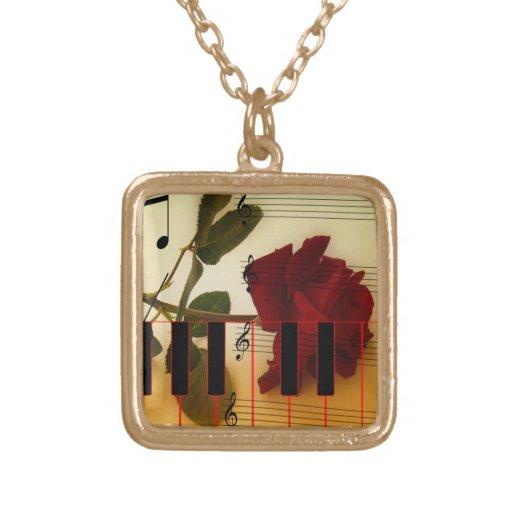 Tronco largo subió, llaves del piano y notas music joyería