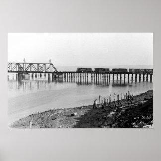 Tronco magnífico puente trasero 1967 de la ensenad póster