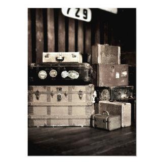 """Troncos y maletas antiguos del viaje del vapor invitación 5.5"""" x 7.5"""""""
