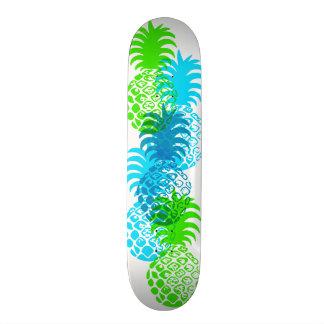 Tropical hawaiano de la piña de Momona Patines