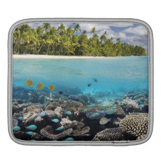 Tropical Lagoon in South Ari Atoll Sleeve For iPads