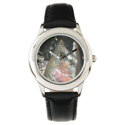 Trucha arco iris, reloj de la pesca con mosca