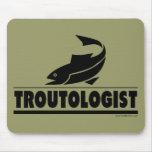 Trucha - ologist - pescados chistosos de la trucha alfombrillas de ratón