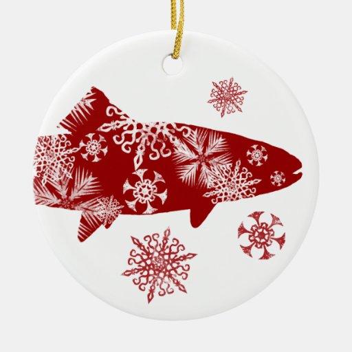 Trucha roja y blanca festiva de la nieve adorno redondo de cerámica