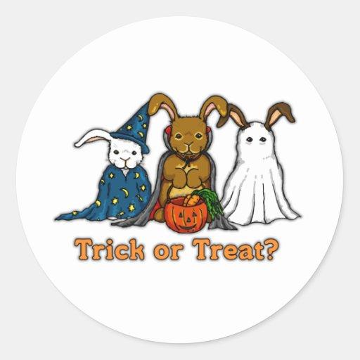 Truco o el tratar de los conejos de Halloween Pegatinas Redondas