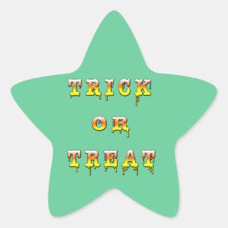 Truco o invitación (color del caramelo del maíz) pegatina en forma de estrella