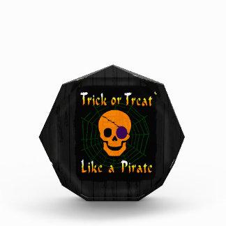 Truco o invitación como un pirata