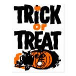 Truco o invitación retro de Halloween del kitsch d Tarjetas Postales