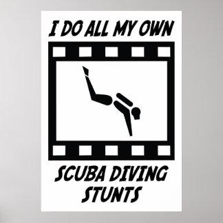 Trucos del buceo con escafandra póster