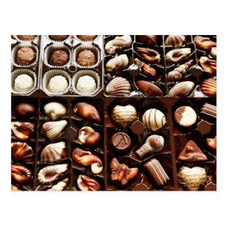 Trufas de chocolate formadas, gastrónomas tarjetas postales