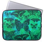 Trullo bonito y mariposas verdes funda computadora